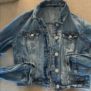 American Eagle Distressed Cropped Denim Jacket M